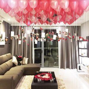 Идея как украсить комнату шарами