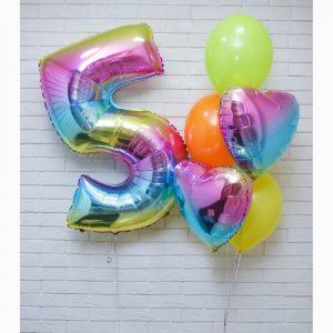 Яркий набор из шариков на 5 лет