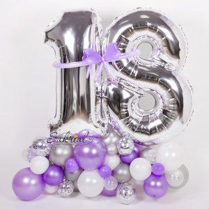 Цифры 18 на День Рождения из Воздушных Шаров