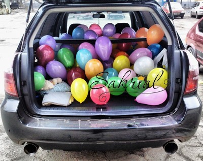 скільки кульок поміщається в машину?
