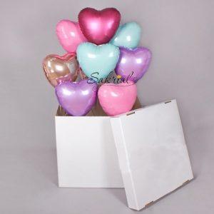 Коробка с Фольгированными Сердцами Внутри