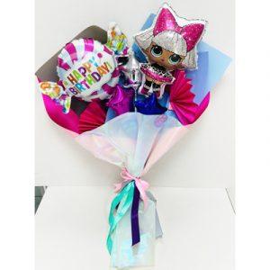 Куколка Лол в наборе букета