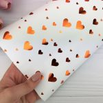 Упаковочная бумага (Бронзовые сердца на белом)