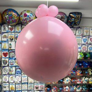 Розовый шар сюрприз на 100 шариков